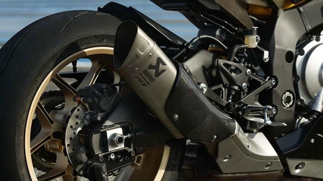 Can canh Yamaha YZFR1 phien ban mau vang den tuyet dep - 2