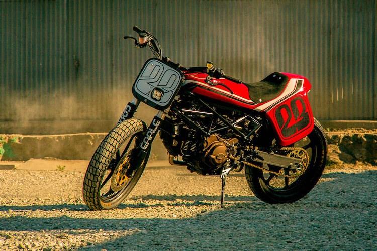 Ducati Monster street tracker hang khung tu Volkswagen