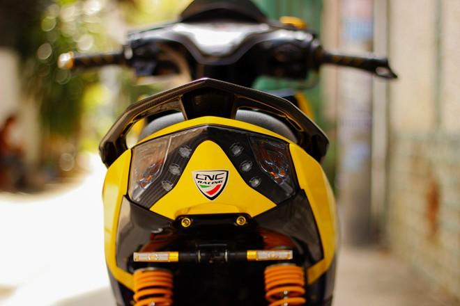 Honda AirBlade len do choi khung cua biker Sai Gon - 7