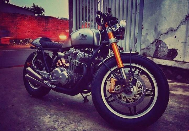 Honda CB750 cafe racer do cuc chat qua ban tay tho Viet