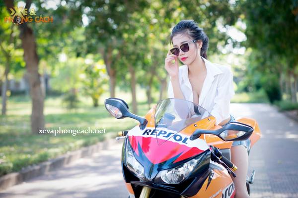Honda CBR1000RR Repsol day phong cach ben chan dai goi cam - 4