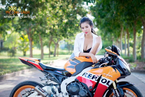 Honda CBR1000RR Repsol day phong cach ben chan dai goi cam - 10