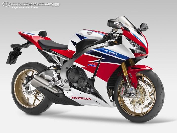 Honda CBR1000RR SP bi trieu hoi vi loi giam xoc sau