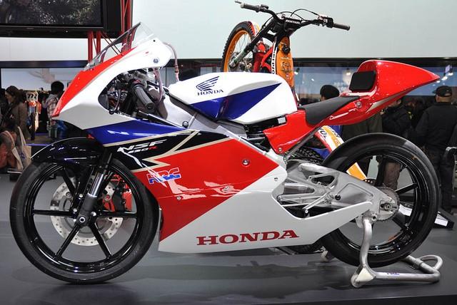 Nu biker 1995 choi xe mo to khien bao anh chang phai ne phuc - 3