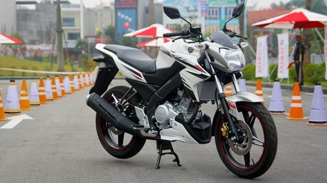Yamaha Honda huong den dong moto the thao co nho