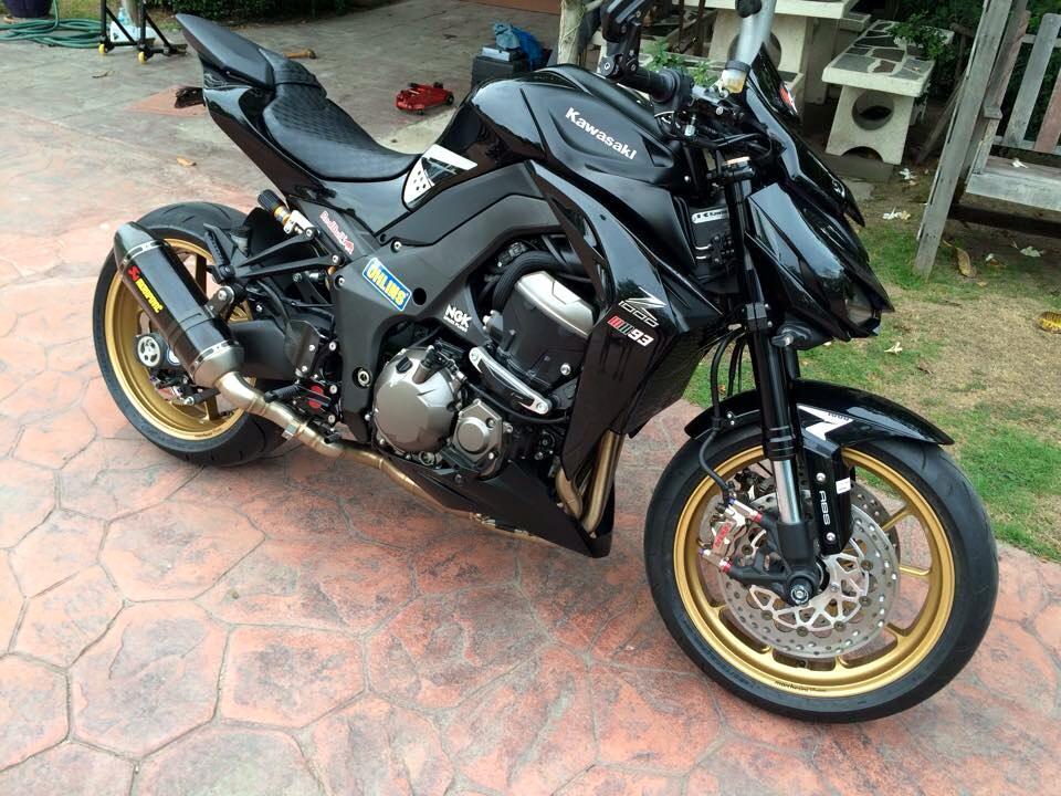 Kawasaki Z1000 day manh me va tinh te trong tung chi tiet