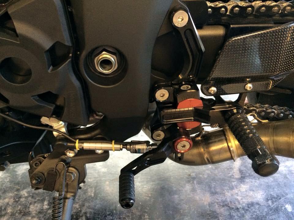 Kawasaki Z1000 day manh me va tinh te trong tung chi tiet - 3