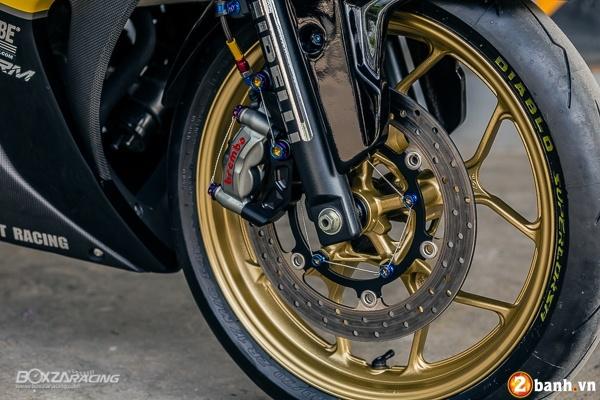 Yamaha R3 dep mat va doc dao voi bo tem day phong cach - 3