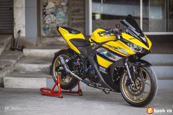 Yamaha R3 dep mat va doc dao voi bo tem day phong cach
