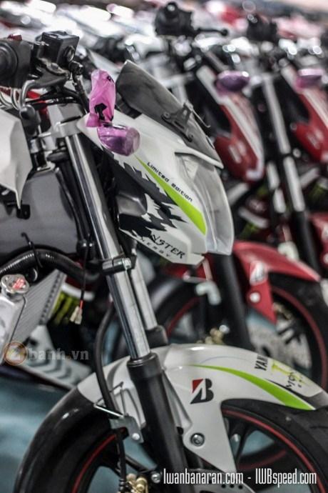 Yamaha Fz150i 2016 lo anh tem dau Monster chinh hang