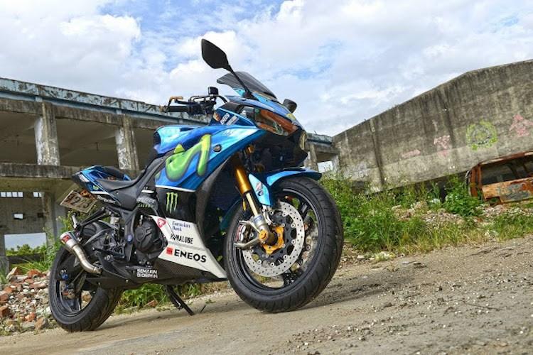 Yamaha R3 trong ban do sieu pham ben canh co nang xinh dep xu Dai