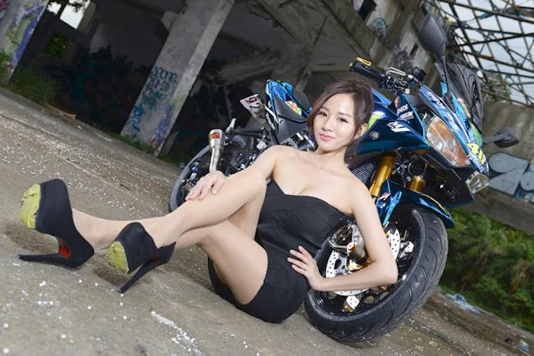 Yamaha R3 trong ban do sieu pham ben canh co nang xinh dep xu Dai - 11