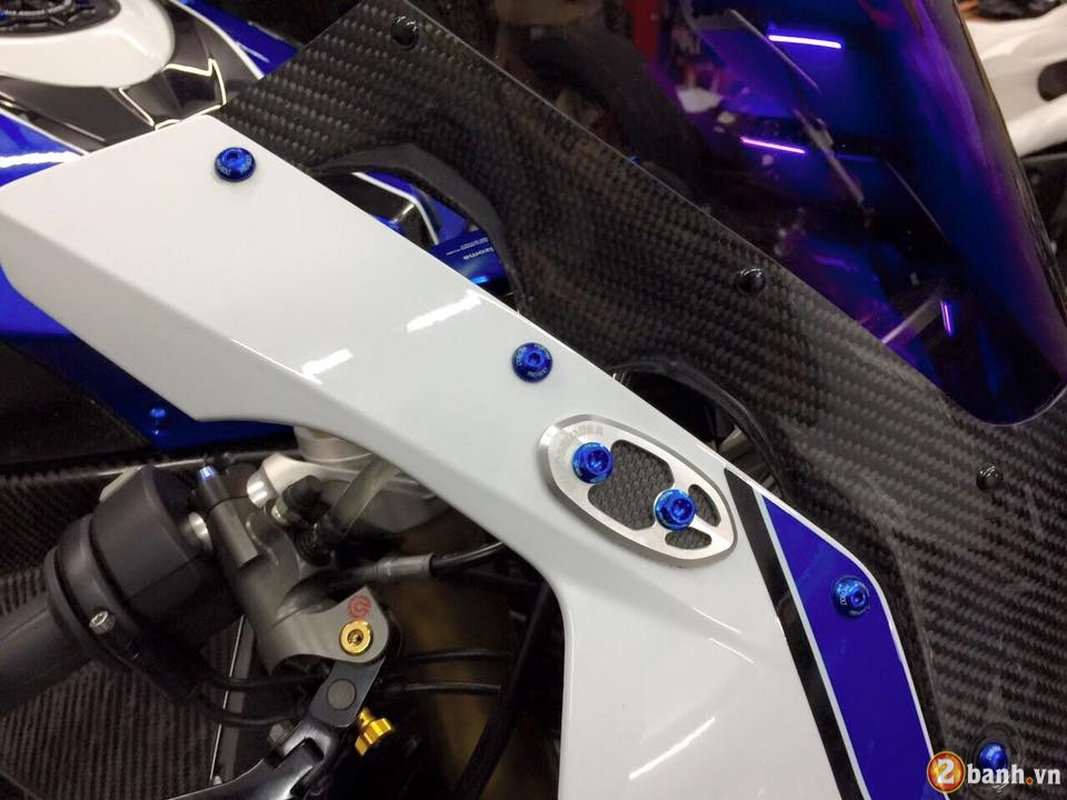 BMW HP4 day an tuong trong ban do cuc chat - 3