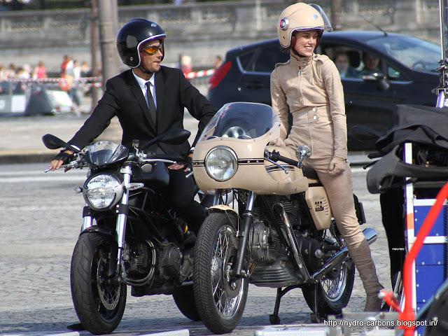 Choi xe moto Phu nu My thich tu xu hoac nho ban be hon la mang den garage