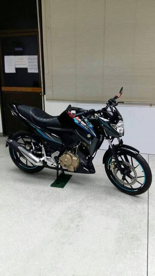 Dong nakedbike 150 phan khoi bi an cua Suzuki