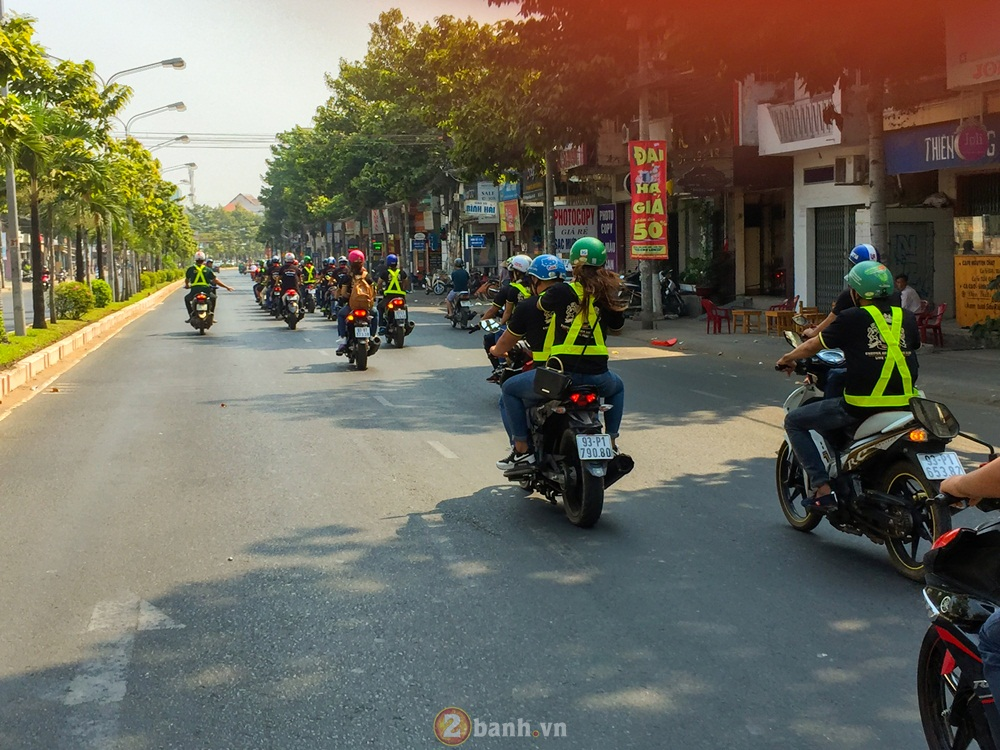 Hang chuc Club xe tu ve mung sinh nhat lan II Hoi Nouvo Bien Hoa - 2