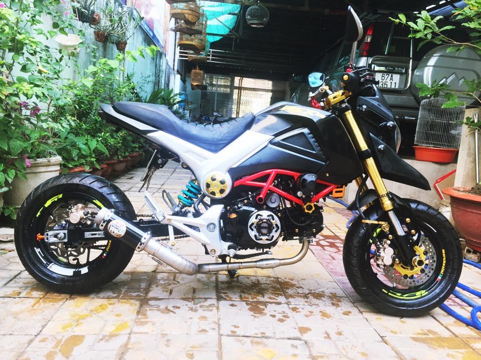Honda MSX do phong cach Ducati doc dao voi dan chan keo dai