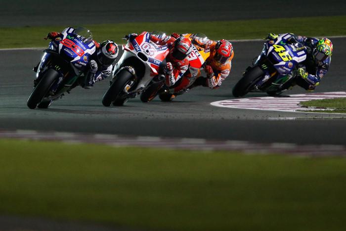Lorenzo gianh pole dau tien MotoGP 2016 nhanh hon Ducati gan 2 giay - 8