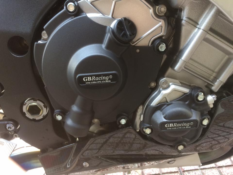 Showroom Motor Ken Can ban R1M xe san xuat 500 chiec tren toan the gioi - 2