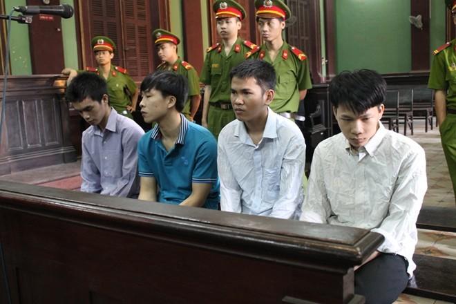 Ten cuop xe SH tren cau Phu My gay xon xao du luan co the thoat an tu - 2