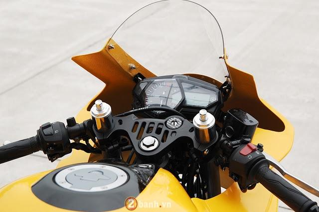 Ve dep hut hon cua Yamaha R3 do theo phong cach xe dua YZRM1 - 7
