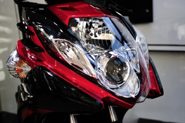 Ban xe Yamaha Nouvo 5 FI do den - 3