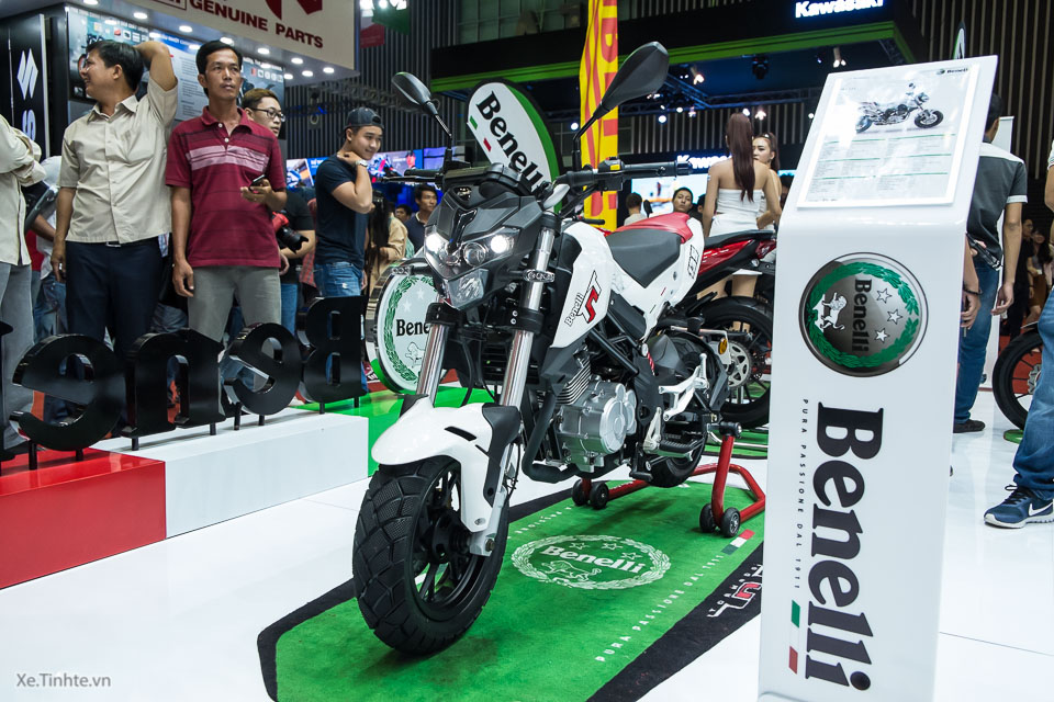 Can canh Benelli TNT Naked T135 vua duoc ra mat