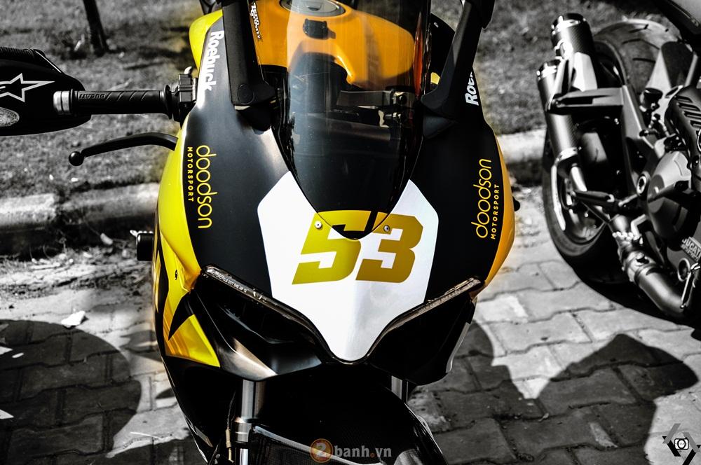 Cap doi Ducati 899 Panigale do an tuong cua DOC tai Viet Nam Motorcycle Show 2016 - 9