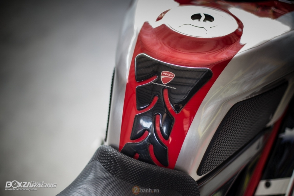 Ducati 1098R phien ban gioi han Troy Bayliss do sieu khung tu JC Superbike - 15