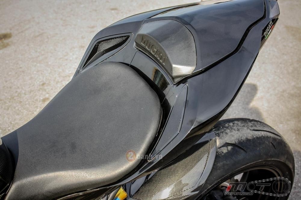 Ducati Streetfighter trong ban do sieu khung den tu Thai - 12