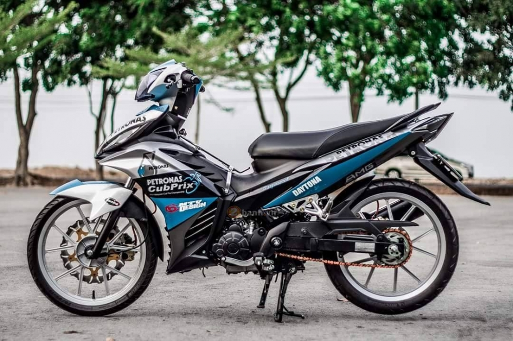 Exciter 135 do theo phong cach Petronas don gian nhung tinh te - 3