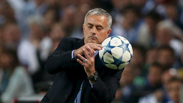 HLV Mourinho Toi khong hieu bao chi lay dau thong tin ve ban hop dong giua toi va Man Utd