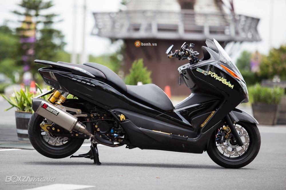 Honda Forza day noi bat va phong cach voi phien ban Super Black