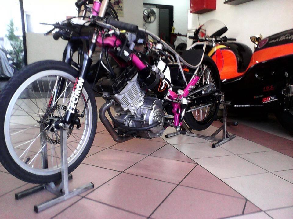 Mot so mau xe dua hang khung su dung phu tung Suzuki FX125 - 5