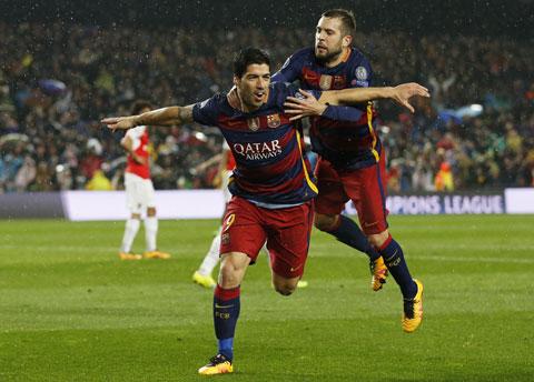 Nghien nat Gijon Barca tien buoc cung thanh Madrid - 3