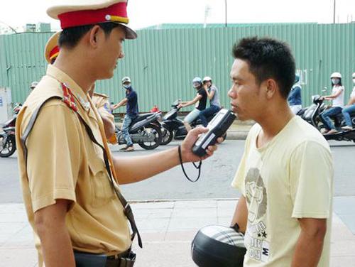 On lai bai cac loi vi pham luat giao thong khi di xe may thuong gap - 3