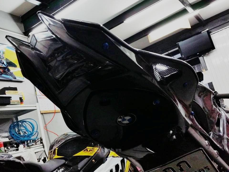 Sieu xe BMW HP4 trong ban do full carbon day me hoac - 6