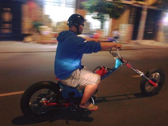 Thu choi xe phan khoi lon doc la cua biker 1996 - 3