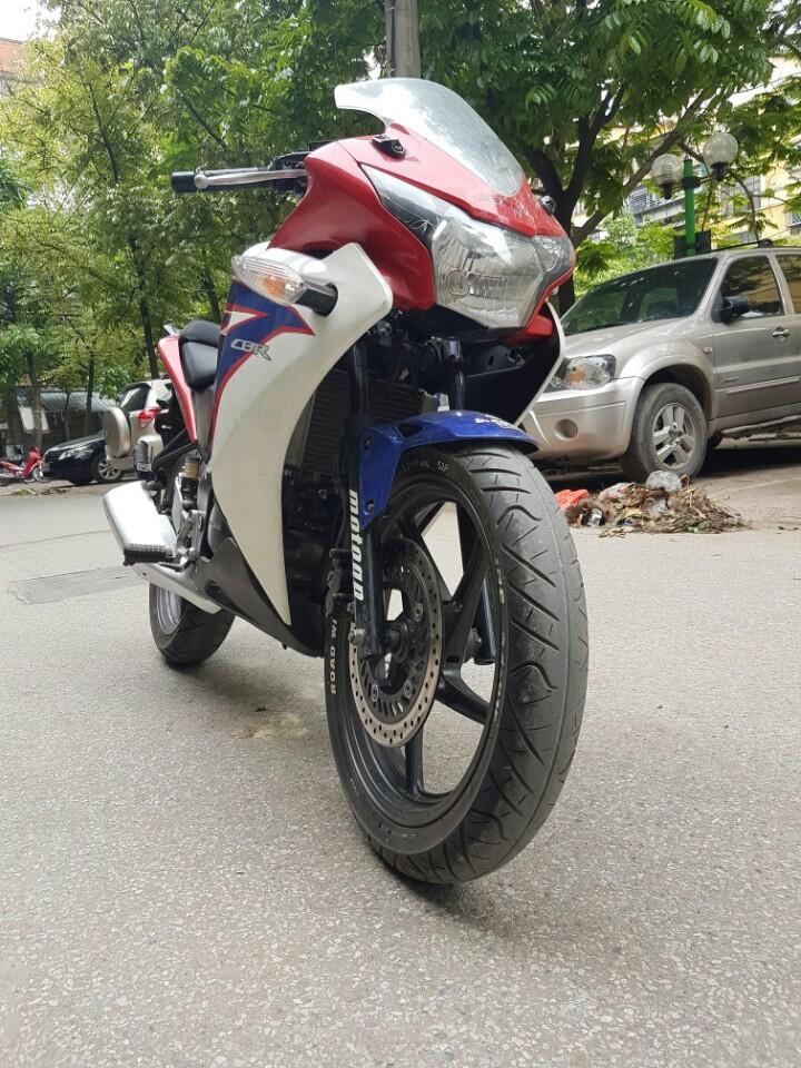 Xe May Dang Hoa Honda Cbr 150 nhap khau can ban xe nguyen zin qua dep - 3