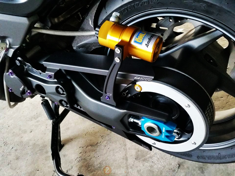 Yamaha TMax voi phien ban do khung tu JC Superbike - 9