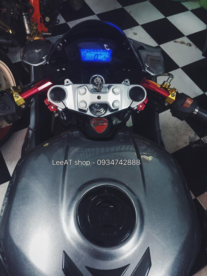 Ban do Ducati 899 vo cung doc dao tu Honda Hornet 250 tai Viet Nam - 7