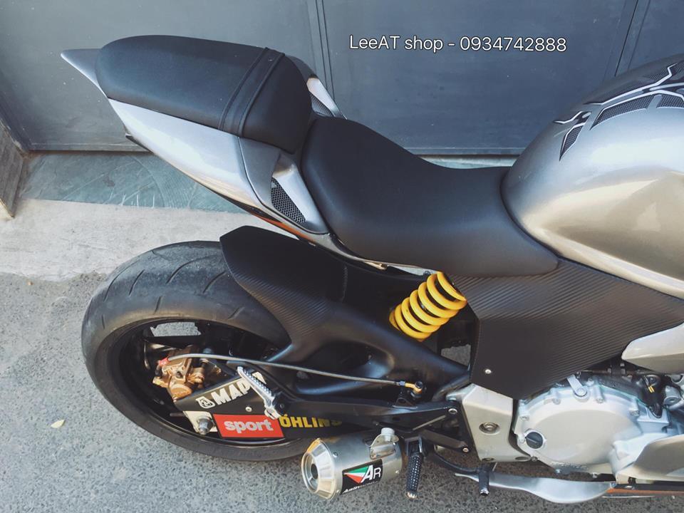 Ban do Ducati 899 vo cung doc dao tu Honda Hornet 250 tai Viet Nam - 9
