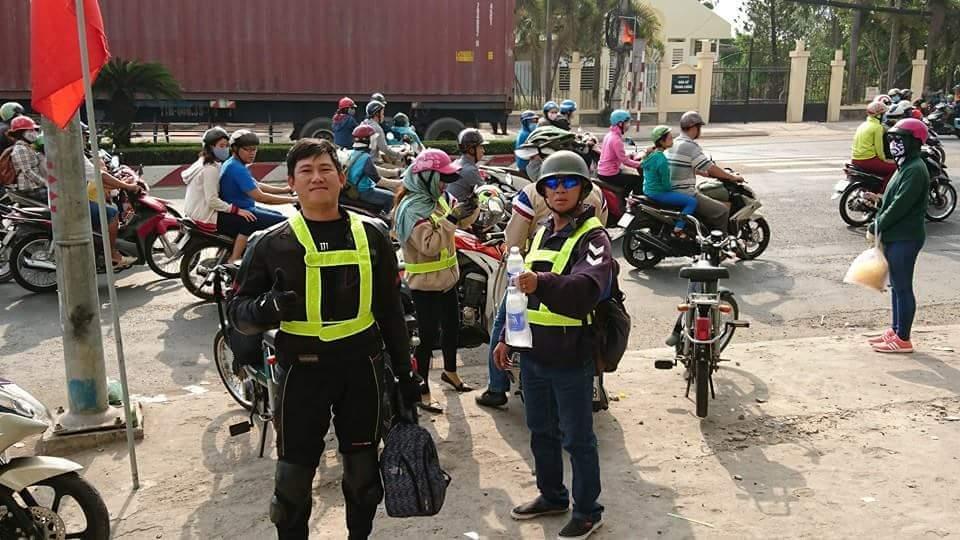 Bat Ngo Xuat hien Hang Loat Chiec xe Co Da Mat Biet Tam - 9