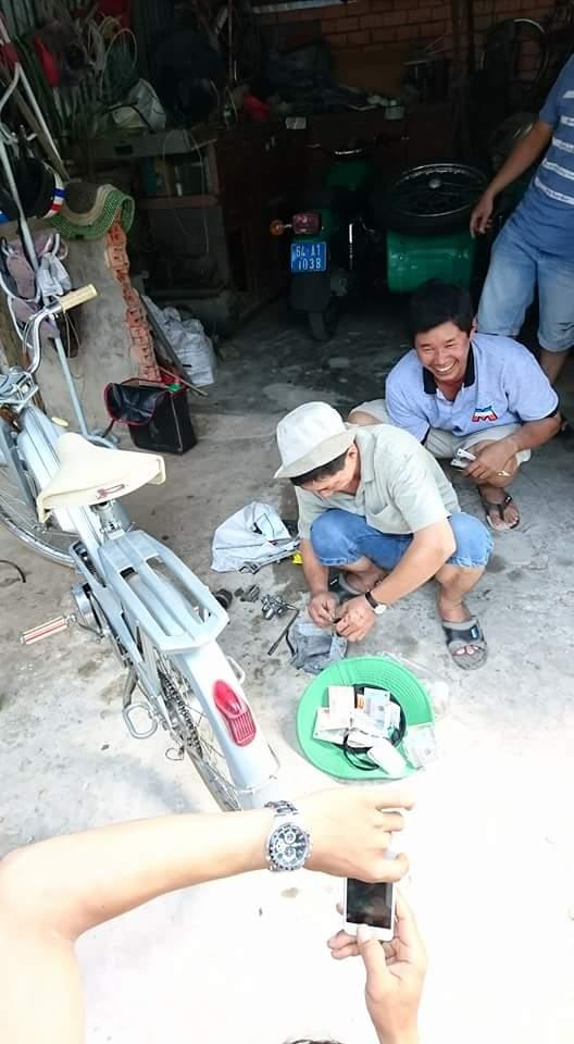 Bat Ngo Xuat hien Hang Loat Chiec xe Co Da Mat Biet Tam - 13