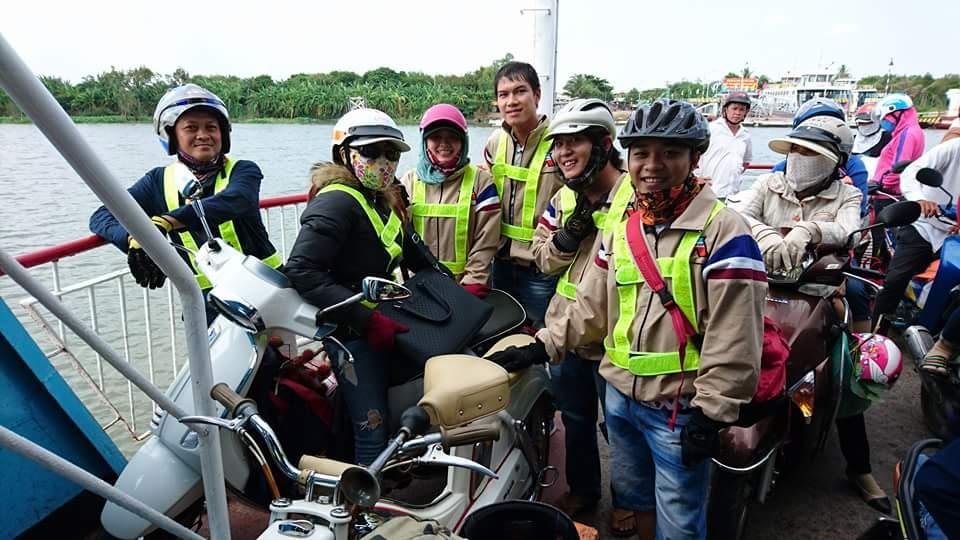 Bat Ngo Xuat hien Hang Loat Chiec xe Co Da Mat Biet Tam - 18