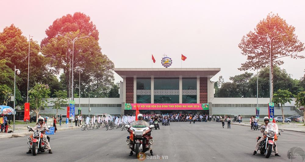 CLB Exciter Bien Hoa 6789 dieu hanh trong Ngay Hoi Van Hoa Gia Dinh 2016 - 9