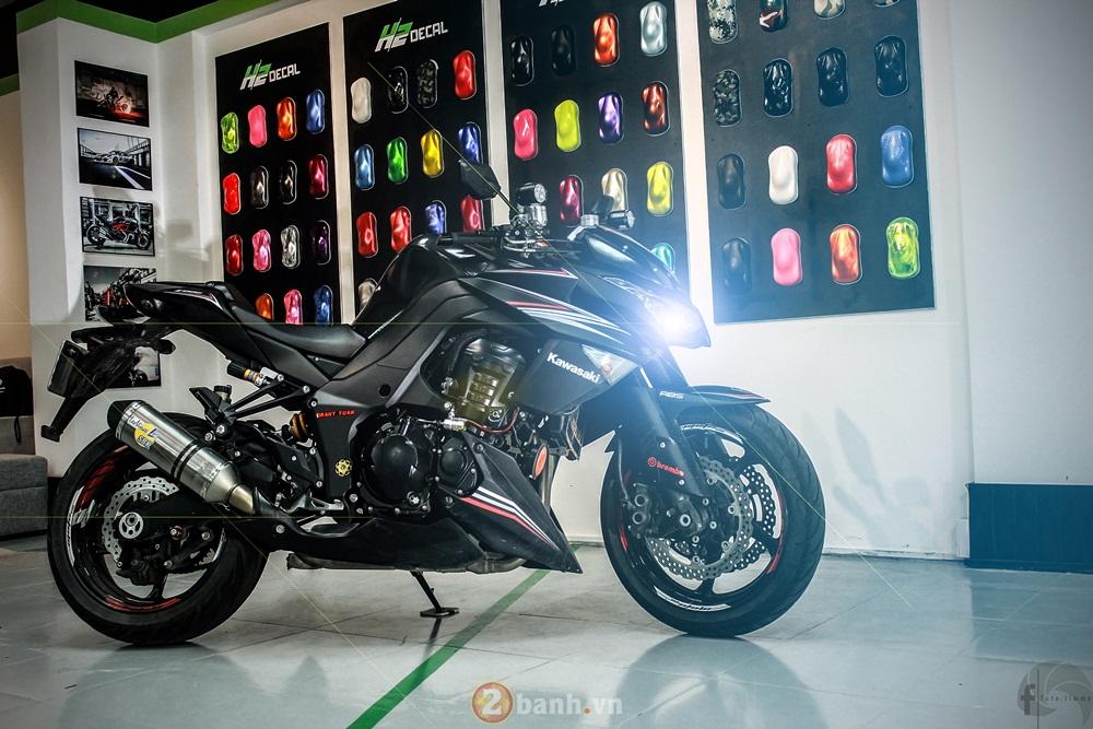 Kawasaki Z1000 chat choi voi hang loat option gia tri