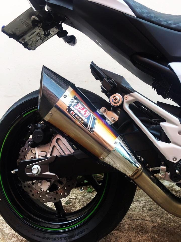 Kawasaki Z800 do don gian voi mot vai option hang hieu - 9