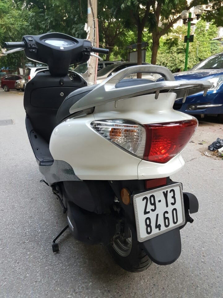 Ban Honda Joying 125cc mau trang xe chat va dep