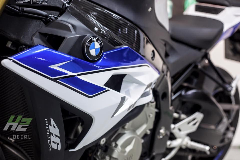 BMW S1000R lot xac theo phong cach HP4 - 7